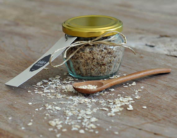 Oatmeal Cookie Handscrub